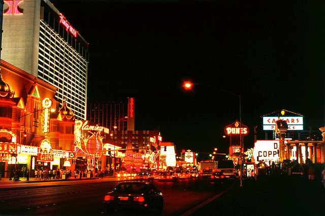 Las Vegas Boulevard by Caesar's Palace and Flamingo Hotels (1992), by Steven Martin on Flickr. CC BY-NC-ND 2.0 License https://creativecommons.org/licenses/by-nc-nd/2.0/
