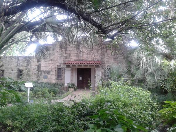 Photo of the Alamo by Genevieve Nicholson