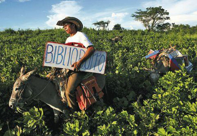 biblioburro-luis-soriano-alfa-beto-columbia